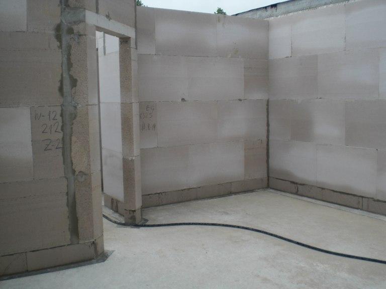 erstes video von der baustelle rohbau vom erdgeschoss passivhaus bautagebuch. Black Bedroom Furniture Sets. Home Design Ideas