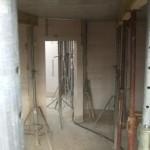 Wohnzimmer mit Decke vom Gerüst aus
