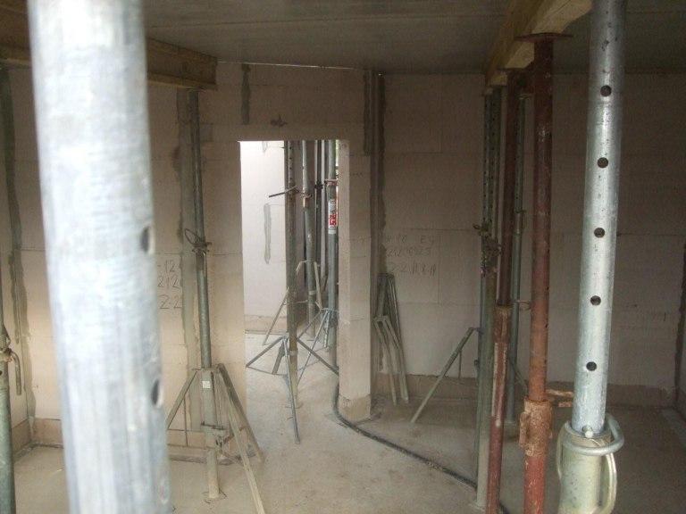 Wohnzimmer Mit Decke Vom Gerst Aus Deckenplatten
