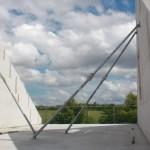 Die Wände des Dachgeschosses müssen noch gestützt werden