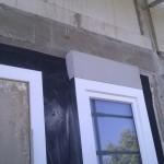 Hinter-Rollladen-Dämmung beim Gäste-WC-Fenster
