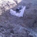 Abwasserleitung (?) der ersten Häuserzeile