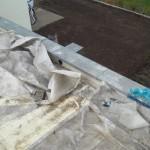 Dach mit Regenablauf auf dem Heizungsraum