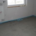 Bodenauslass im kleineren Zimmer