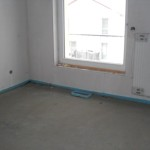 Bodenauslass im größeren Zimmer