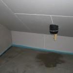 """Der """"Schornstein"""" im Technikraum lässt offenbar Feuchtigkeit hinein"""