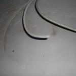 Eines der beiden Kabel (wieso überhaupt 2?) für den Türgong war offenbar mit verputzt worden