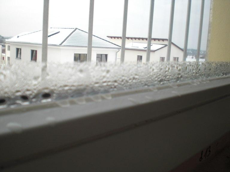 noch immer viel feuchtigkeit im haus passivhaus bautagebuch. Black Bedroom Furniture Sets. Home Design Ideas