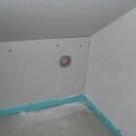 In dieser Trockenbauwand hingegen wurden die Steckdosen ohne Beschädigungen gesetzt