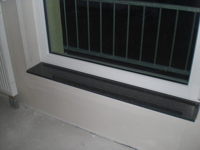 """Fensterbänke endlich eingebaut, Trockenbau """"ausgeschnitten ..."""
