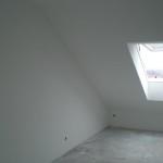 Weißes Dachgeschoss