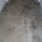 Für Fliesen grundierter Fußboden