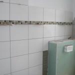 Wandfliesen mit Bordüre im Badezimmer