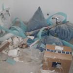 Verlagerter Müll im Wohnzimmer - in den Müllcontainer befördern wäre wohl zu einfach...
