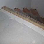Übergang zwischen Treppen und Estrich im 1. OG (1cm Versatz vorgesehen für Laminat + Dämmunterlage)
