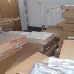 Mit IKEA-Einzelteilen vollgestellte Küche vor Beginn unserer Arbeiten