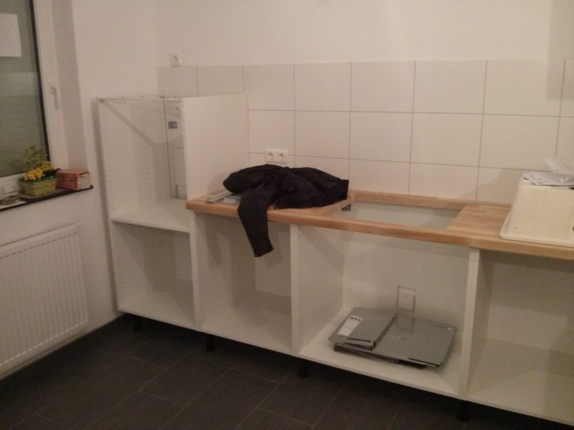 aufbau unserer ikea k che teil 2 befestigungen arbeitsplattenausschnitte passivhaus. Black Bedroom Furniture Sets. Home Design Ideas
