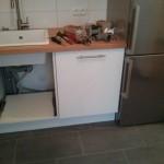 Vollintegrierter Geschirrspüler nebst freistehendem Kühlschrank