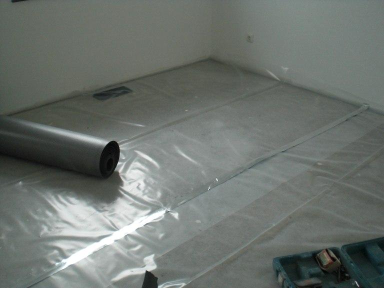 nachtrag laminat ist fertig verlegt passivhaus bautagebuch. Black Bedroom Furniture Sets. Home Design Ideas