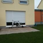 Terrasse mit Sichtschutz (und Fahrrad)