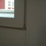 ...sie steht weiter hervor als die Leisten in den restlichen Bereichen des Fensters