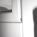 """Eine Ecke des Wohnzimmerfensters sieht etwas """"komisch"""" aus..."""