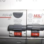 Außerdem im Sicherkasten: Der FI-Schalter, der hin und wieder getestet werden soll. Habe die Prüftaste allerdings noch nie gedrückt